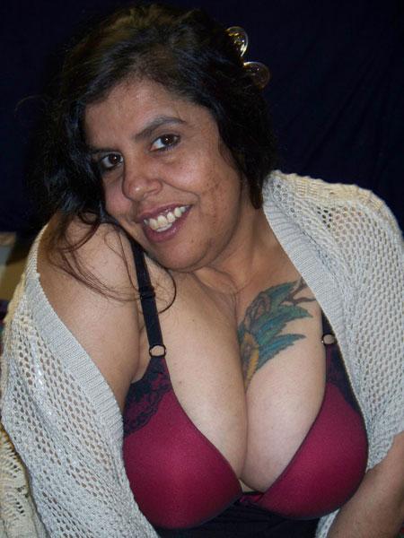 Latin MILF Anita